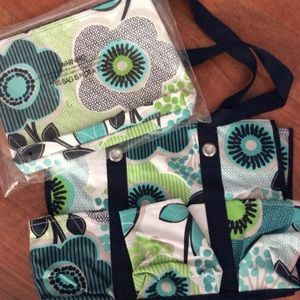 💖NWOT- Thirty One Utility Tote and Zip Pouch